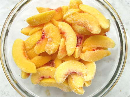 FROZEN PEACHES SLICED INDIVIDUAL QUICK FROZEN 30lb